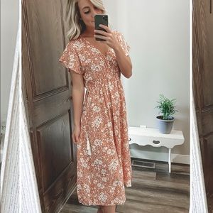 REAGAN KIMONO LACE TRIM FLORAL DRESS